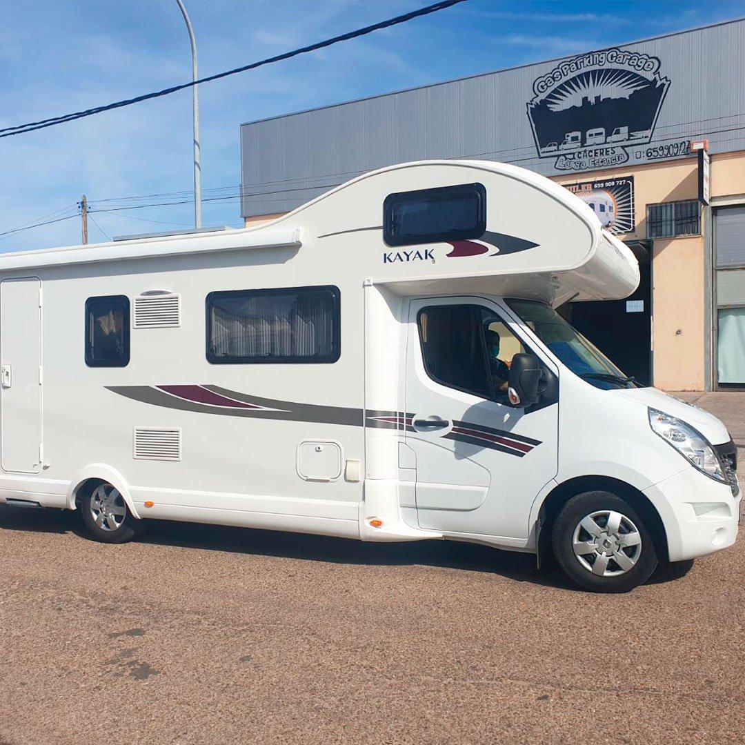 Alquiler autocaravana 7 plazas Cáceres | GasParking